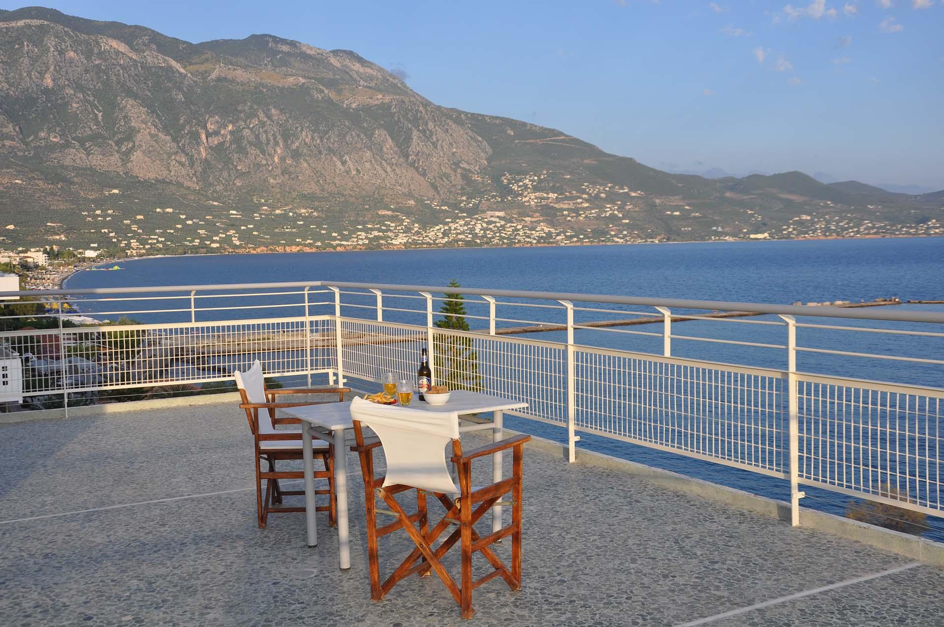 Kalamata Top Rooms - Apartment rent - Messinia - Seafront Penthouse LEO