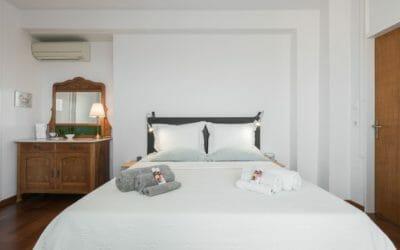 Kalamata Top Rooms City Penthouse ENA Main Bed