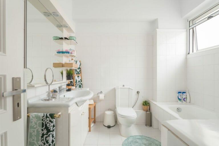 Kalamata Top Rooms FIL27 Comfortable spacious apartment at central position. Bathroom 1