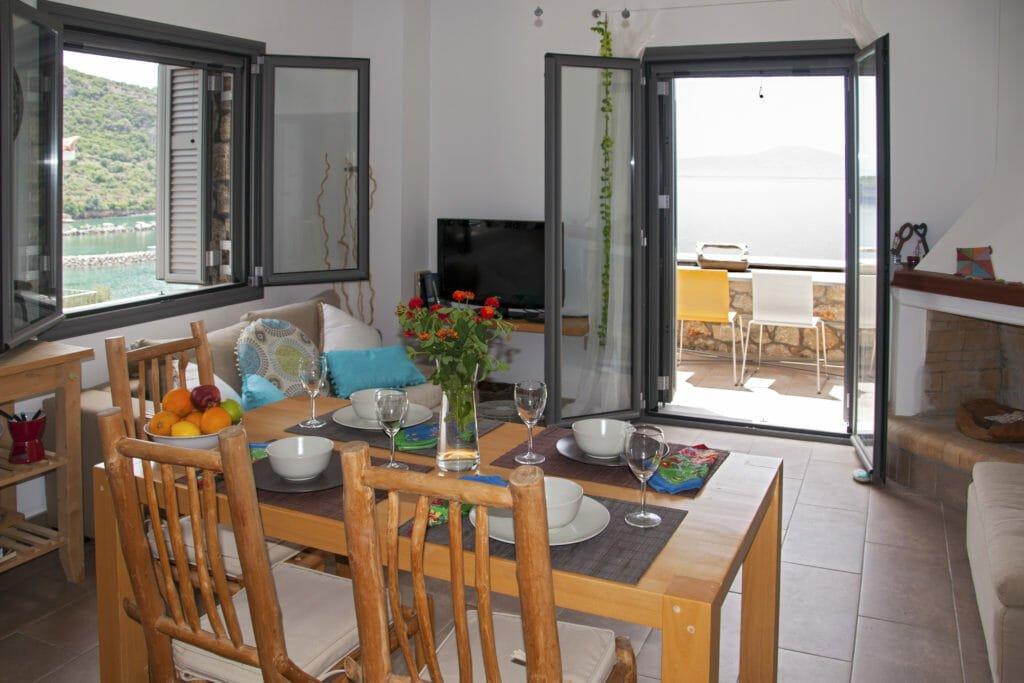 Kitries Cove, Olympiada, Dining Table