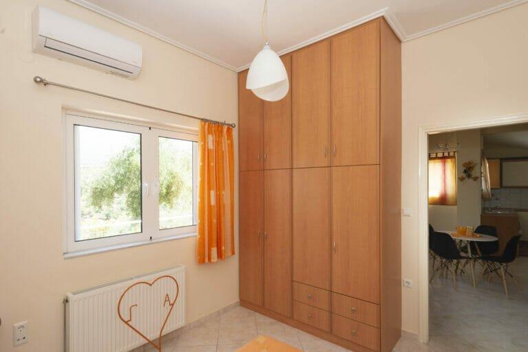 Santova Hill apartment 'Cute' bedroom 1, wardrobe