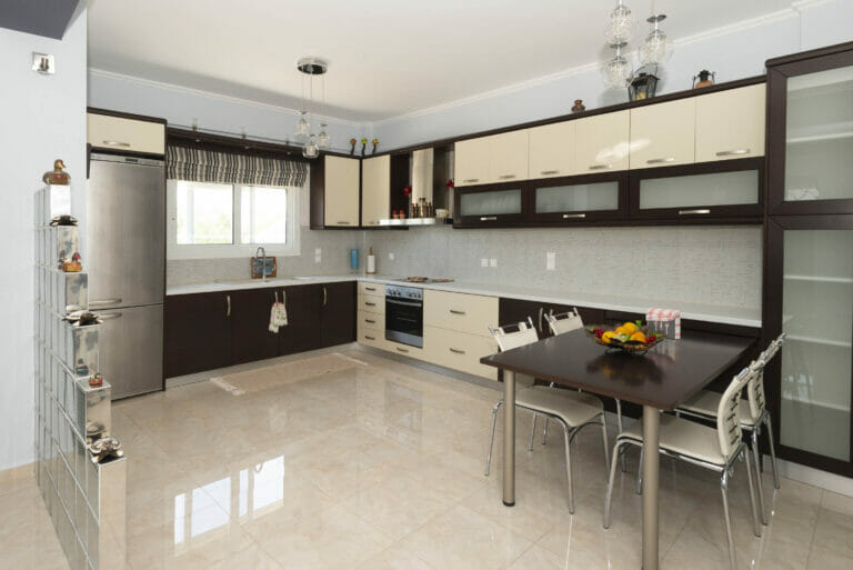 Santova Hill apartment 'Luxi, kitchen and inner dinning table 1
