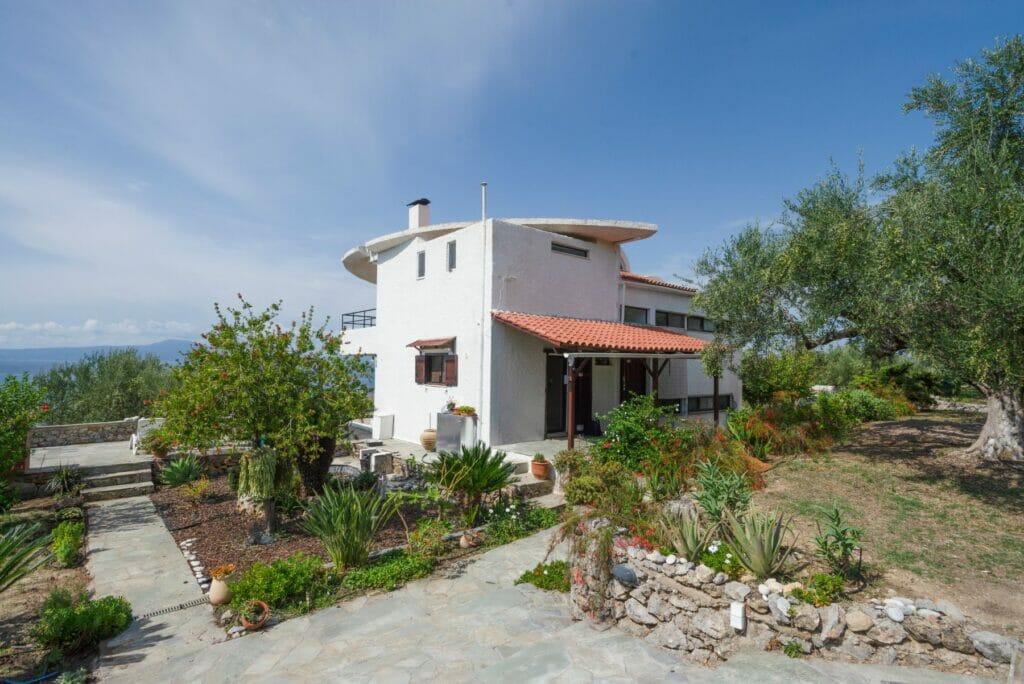 Villa Orea Elena Santova / South East side
